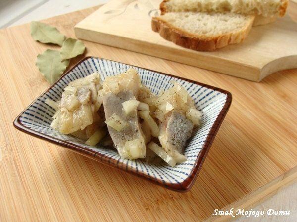 Smak Mojego Domu: Śledzie z cebulą,  w oleju rydzowym