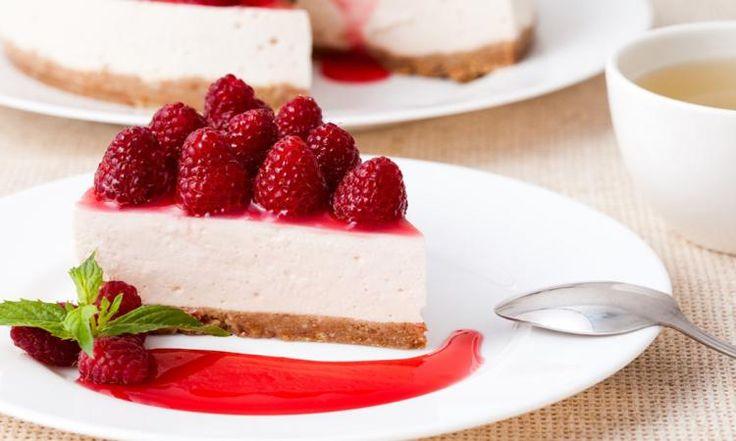 Une Version... allégée! Manger un gâteau au fromage à la framboise peu calorique, c'est POSSIBLE!