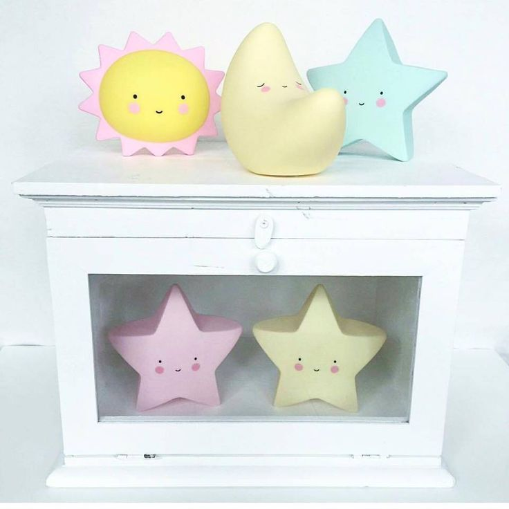 These nightlights by #alittlelovelycompany make a great baby gift. They give a…