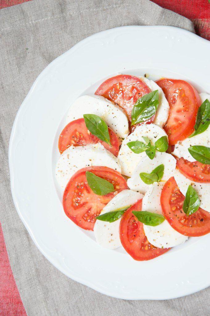 Ensalada Caprese, un clásico deliciosos y fresco.