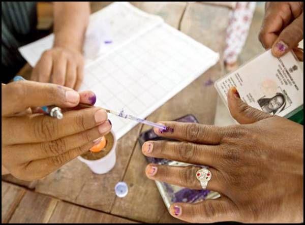 Election schedule underway http://www.andhrawishesh.com/home/quick-news/47119-election-schedule-underway.html