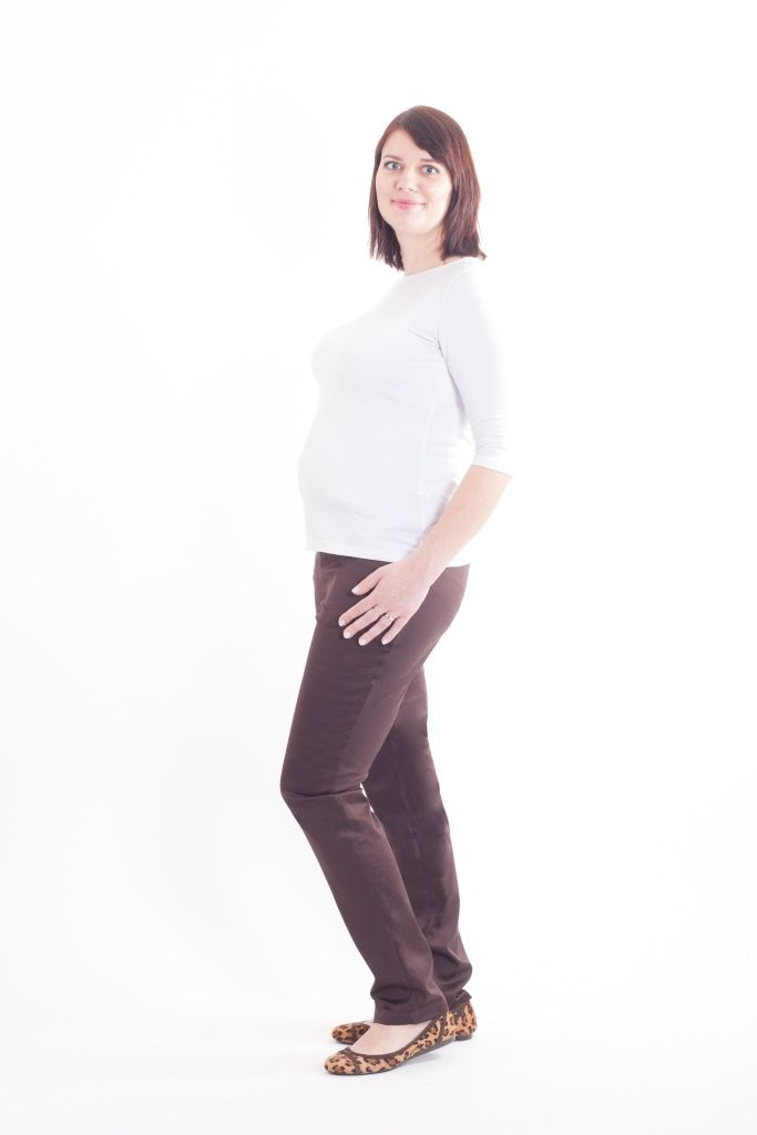 Maternity brown slim legs trousers and white t-shirt with 3/4 sleeves