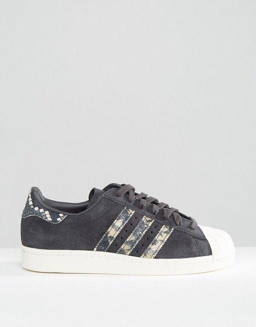 Adidas   Черные кроссовки с имитацией змеиной кожи adidas Originals Superstar
