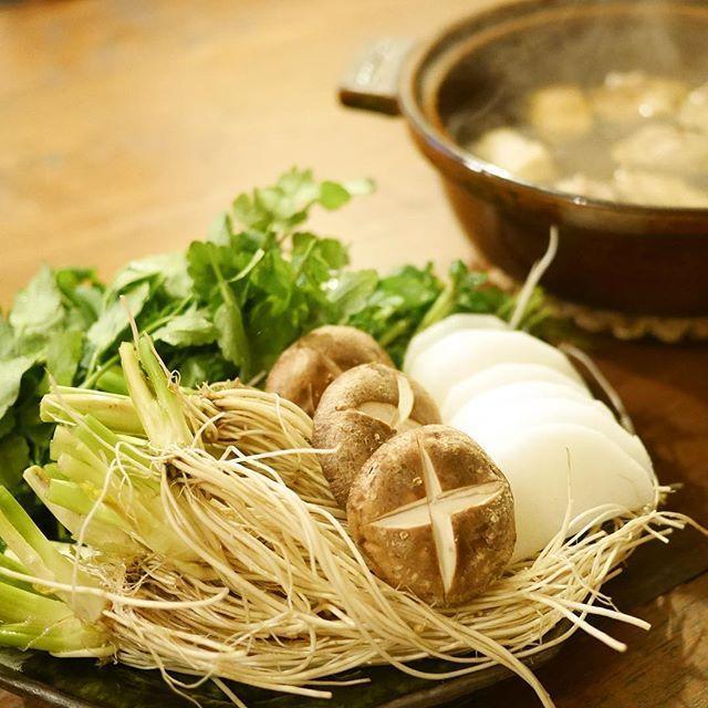 たっぷり野菜がたまらない!仙台名物「せり鍋」が話題です - macaroni