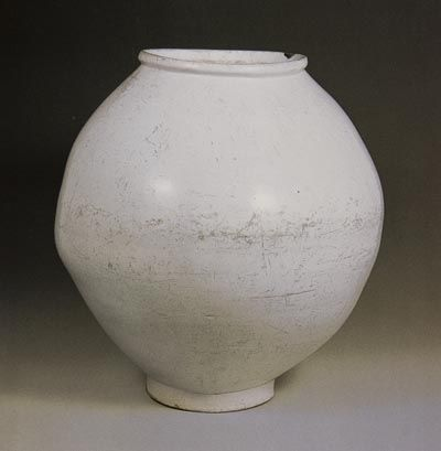 Korean moon jar