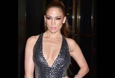 Jennifer Lopez flustered over Drake proposal question
