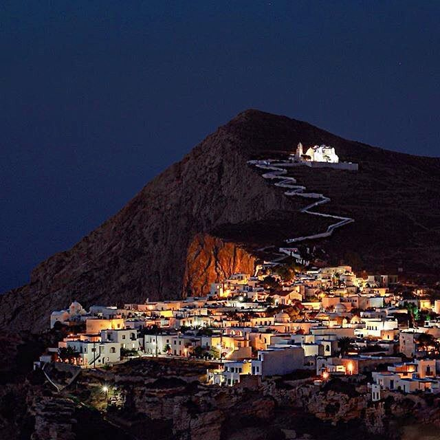 Magical Folegandros island (Φολέγανδρος) by night❤️. Perfect combination of wild natural beauty with stunning view and picturesque alleys inside the village !
