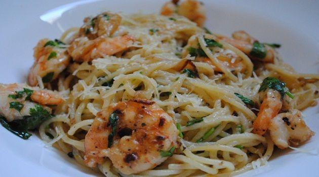 Receita de Espaguete com camarões