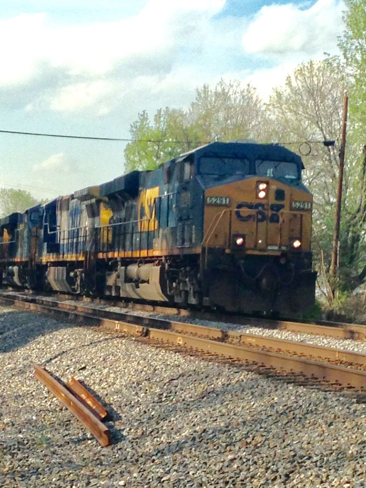 CSX #5291 down at Cherry Hill in Dumfries, Va. photo by Kathy Fite Simon 5/1/14