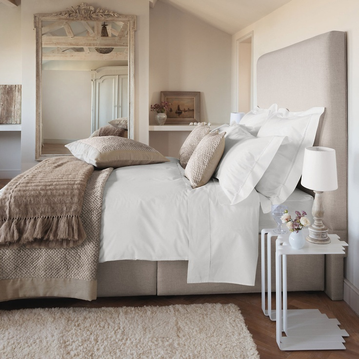 I can't decide on colors for the bedroom, like I keep going back and forth for years. Maybe I should just do simple, soft neutrals.