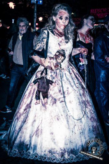Zombiewalk Essen. Costume & Makeup. Zombie. Horror. The Walking Dead.  Foto @ David Hennen, Musikiathek