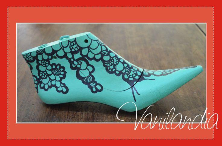 Horma antigua de zapato restaurada modeo: bajan.