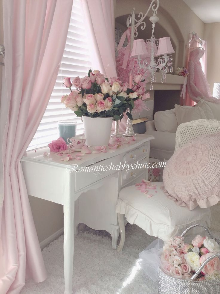 best 25 romantic shabby chic ideas on pinterest country. Black Bedroom Furniture Sets. Home Design Ideas