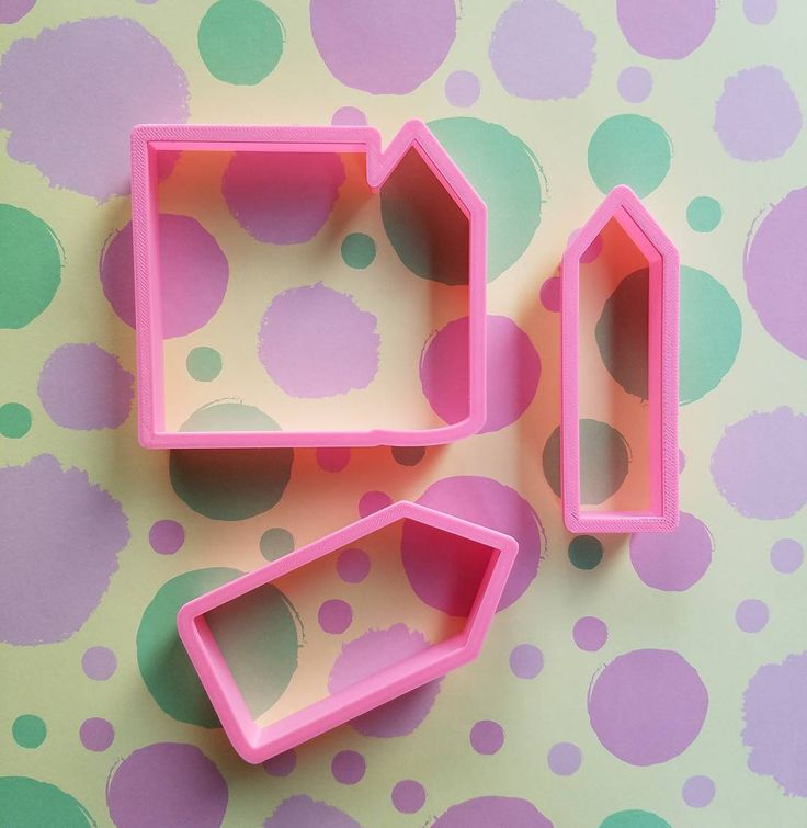 "37 Likes, 1 Comments - Krys' Cookie Cutters (@kryskuts) on Instagram: ""Back to school Cookie cutters availables in my etsy shop (link in bio) . . *pencil ✏ *crayon 🖍…"""