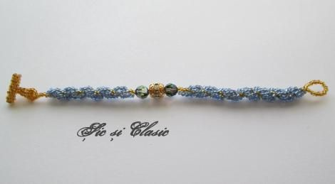 Inspiring Jewelry, Necklace, Inspirational Jewelry on Etsy, seed beads bracelet idea, Swarovsky, DIY jewelry  Sic si Clasic by Adelina Maries http://sicsiclasic.wordpress.com/