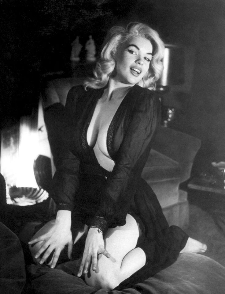 Jayne Mansfield looking oh so seductive! http://www.burlexe.com/just-because-jayne-mansfield/