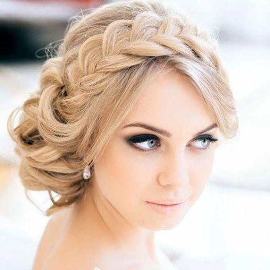 Foto: Topuz modellere örgü detaylar çok yakışıyor :) Yeni Saç Modelleri
