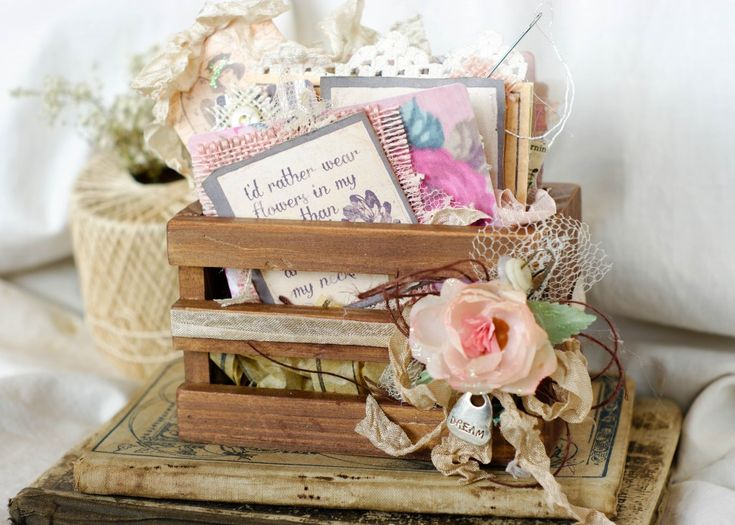 Gypsy Moments ATC Crate filled with inspiration, fun sayings and just pretty things #gypsymoments #vintagecrate #vintagecrafts