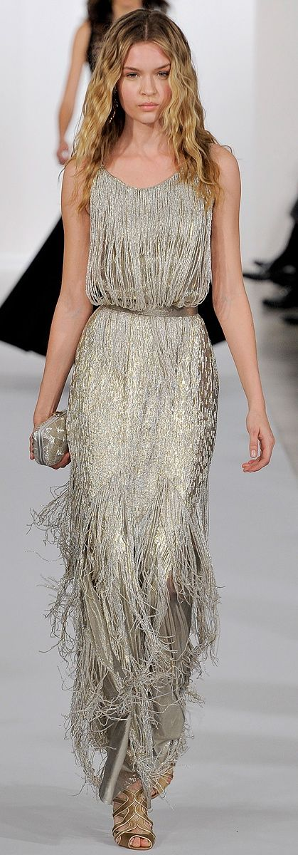 2010's fashion: anything that sparkles and has fringes, Oscar de la Renta 2013