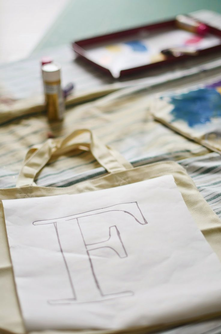 Crafting With Kids: Monogrammed Library Bags