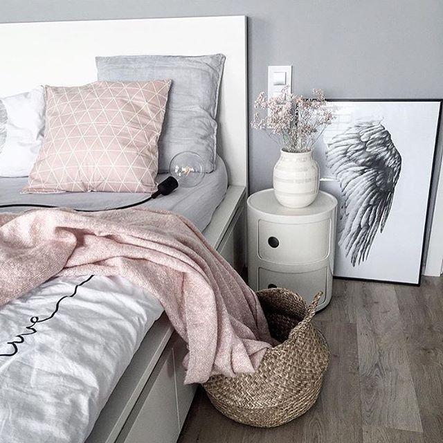 Une chambre sobre | #design, #décoration, #maison, #luxe. Plus de nouveautés sur http://www.bocadolobo.com/en/news/