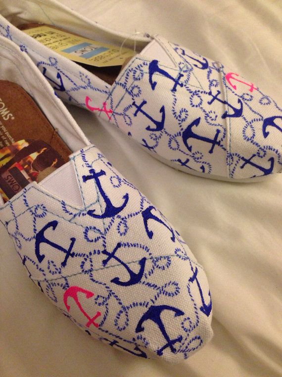 Lilly Pulitzer anchor print hand painted Toms por DelishiousKicks