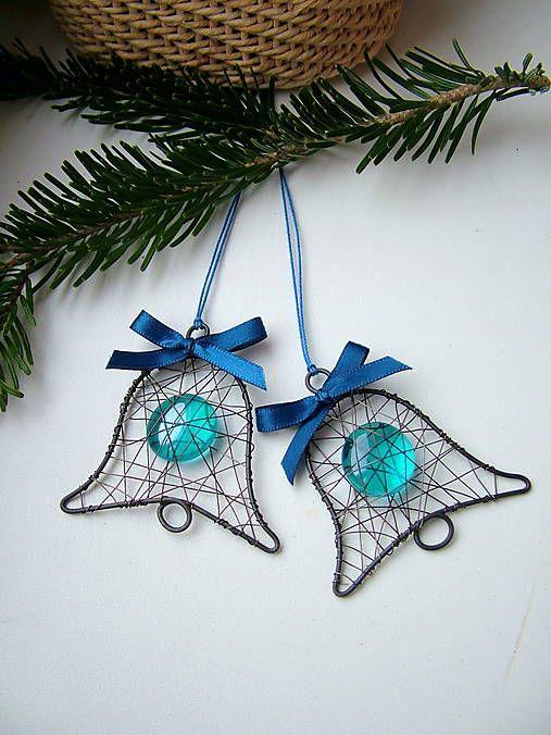 ZUDOS / zvonček v modrom