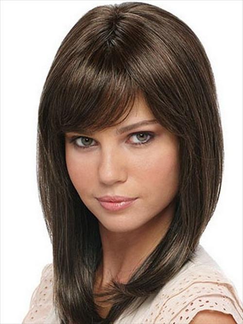 Medium hair with side bangs