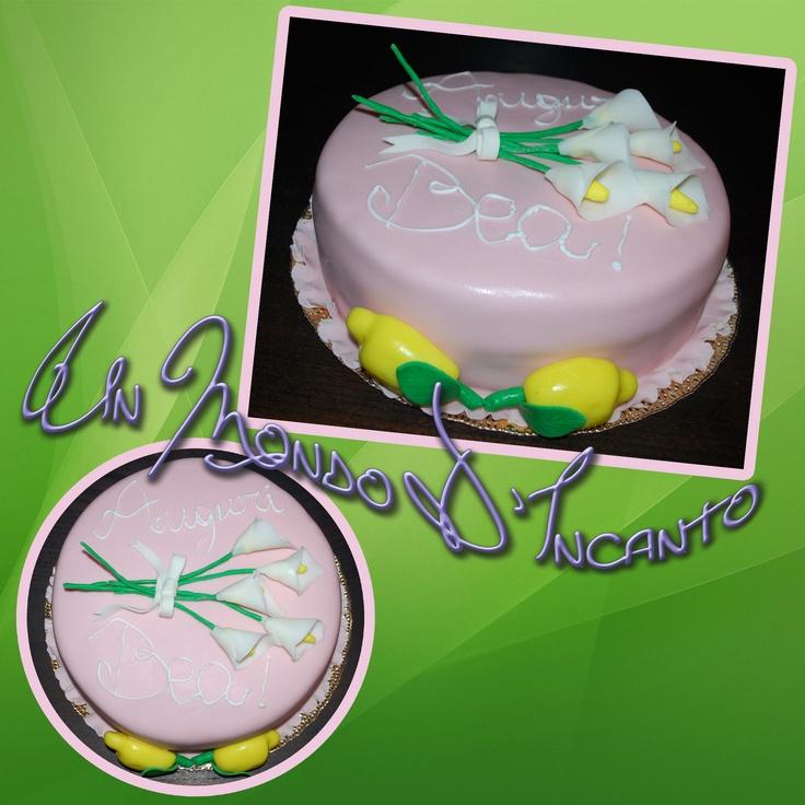 """Torta di compleanno """"Calle e Limoni"""" per Bea.  Farcita con ganache al cioccolato e crema al pistacchio, ricoperta con pasta di zucchero, decorata con ghiaccia reale e pasta di zucchero."""