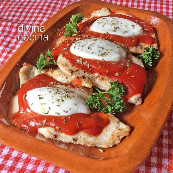¿Quieres dar un toque de pizza a unas pechugas de pollo? Con esta receta de Pollo Margarita puedes preparar algo diferente.