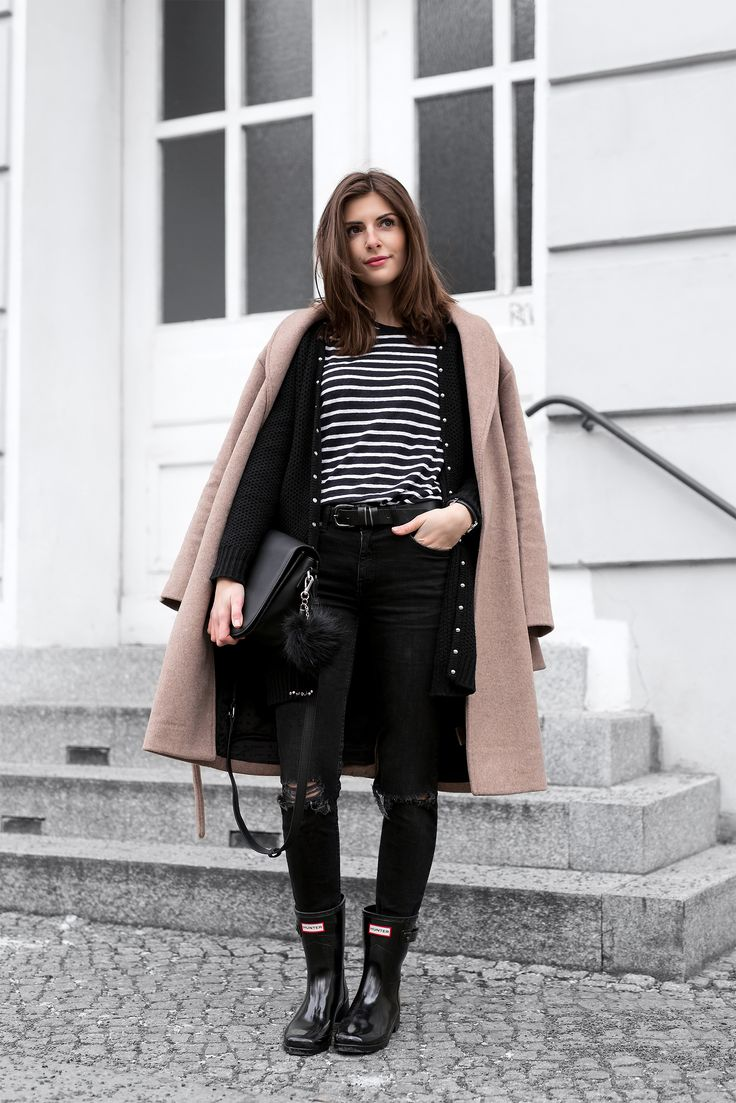 Hunter Rainboots, Camel Coat and Stripes - Simple et Chic - Fashion & Lifestyle Blog