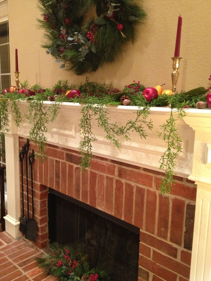 Colonial williamsburg style mantel inspiration for church for Colonial home christmas decorations