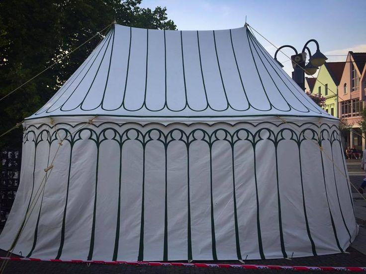 14th century double pavilion made by Vinedi archery shop