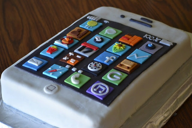 iPhone Birthday Cake For the kids Pinterest Birthday ...