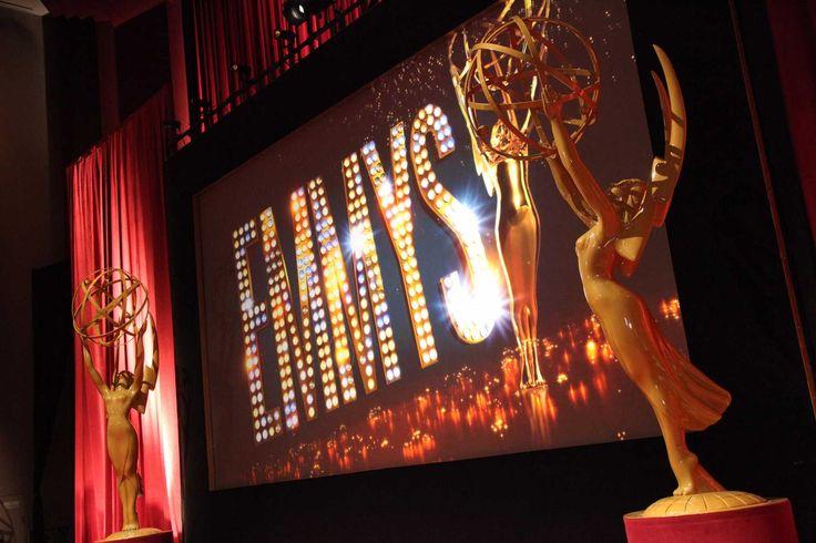 Será el próximo 17 de septiembre, la Academia de la Televisión de Estados Unidos entregará lospremios Emmy 2017en una ceremonia que estará presentada por Stephen Colbert. - http://j.mp/2sUMH7r
