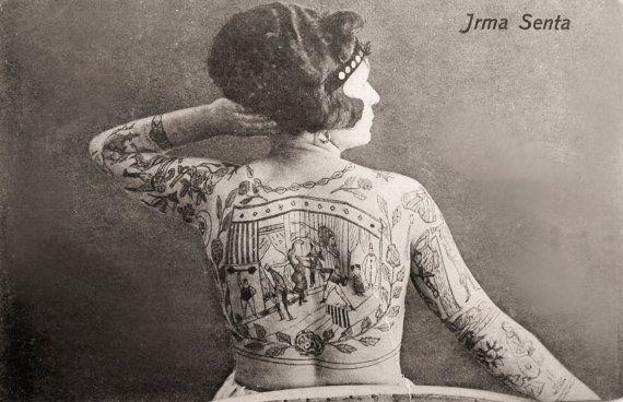 Een circus als rug-tattoo... Halleluja! >> 11x17 Irma Senta The Tattood Lady. Medium Size. door curiousprints