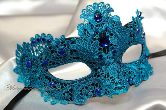 Hey, I found this really awesome Etsy listing at https://www.etsy.com/pt/listing/171986221/beautiful-lace-masquerade-mask-venetian