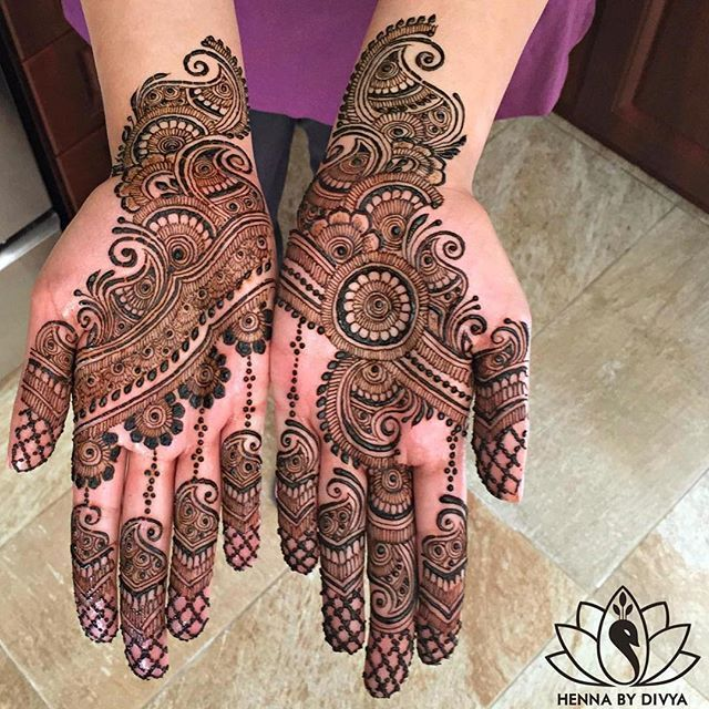 @HennabyDivya does it again! Amazing design ❤️ _______________________________ #IndianWeddingBuzz #indianwedding #indianweddings #indianweddinginspiration #weddinginspiration #realwedding #realindianwedding #indianbride #wedding #weddings #weddingday #weddinginspiration #bride #love #instagood #fun #instadaily #cute #henna #hennatattoo #mehndi #hennaartist