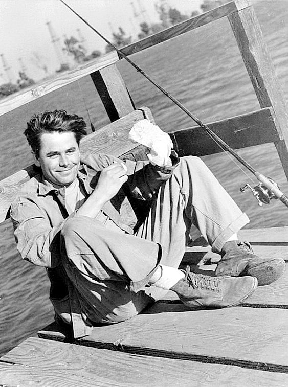Glenn Ford, 1946, enjoying a day off