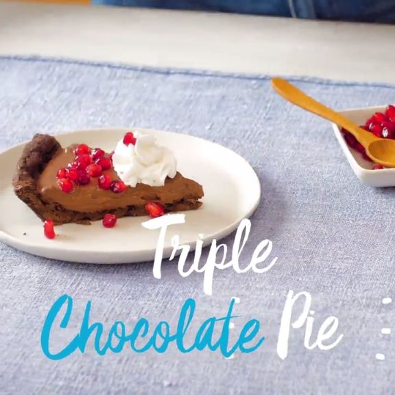 This chocolate cream pie = a fork full of happiness. Go ahead & treat yourself with this dessert tonight. Tap to get this sweet and decadent recipe.
