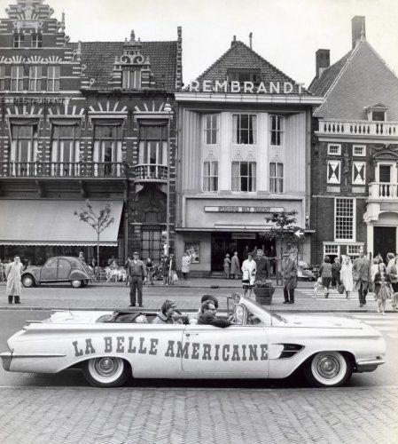 Haarlem 1961 Grote Markt  Rembrandtbioscoop