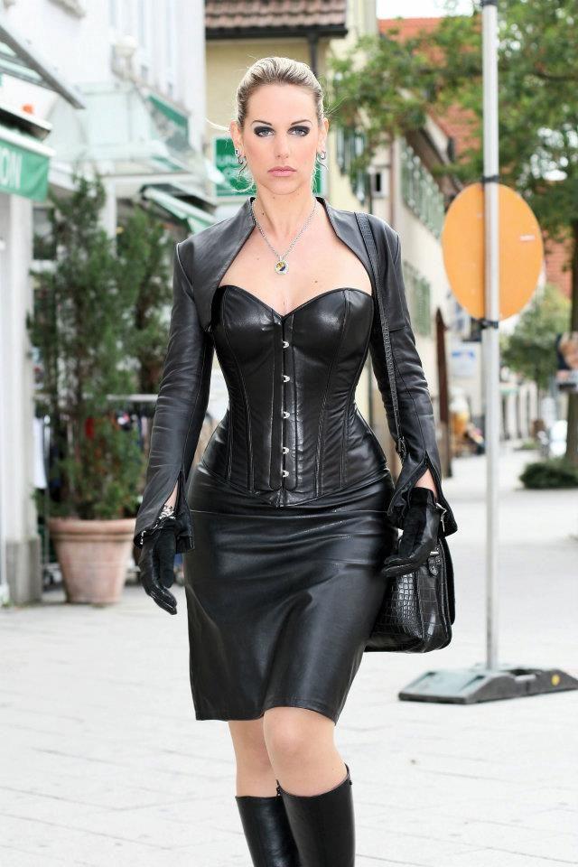 dominatrix outfit Female
