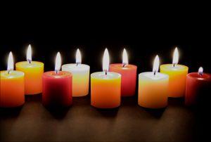 """Decora con velas... ambiente nupcial"""" hoy os damos #ideas para decorar vuestra #boda con #velas #ideas #Innovias http://innovias.wordpress.com/2013/09/11/decora-con-velas-ambiente-nupcial: Importância Das, Candlewat Pearls, Ideas Para, Baú Das, The Idea, Das Velas, Candles Wat Pearls,  Wax Lights,  Taper"""