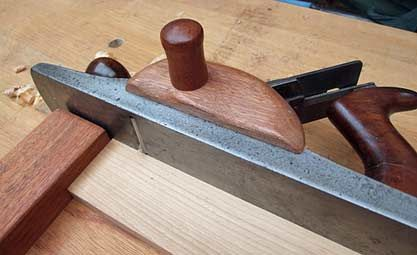 Auxiliary Wooden grip for shooting board plane