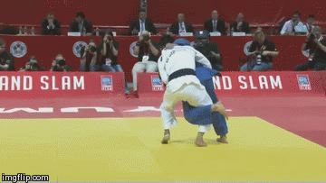 The way he evades the Kouchi-gari and sets up, and finishes, the Ura-nage it's just amazing!