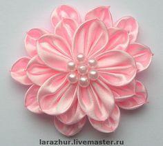 Жасмины. - цветы ручной работы,цветы из ткани,ленты атласные,бусины. Kanzashi