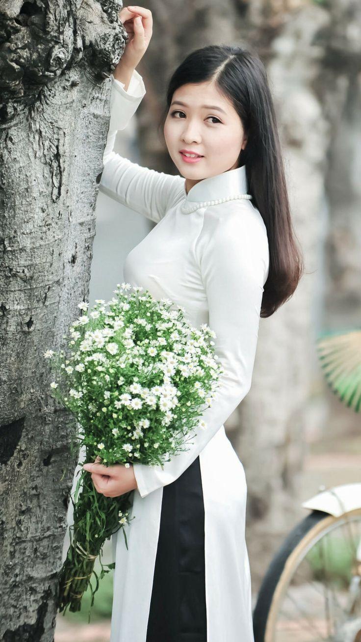 Pin on ao-dai Vietnamese beauty
