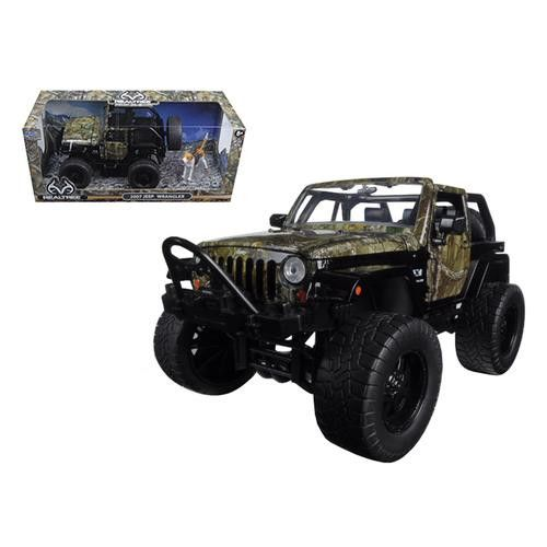 Realtree 2007 Jeep Wrangler with Dog 1/24 Diecast Model Car by Jada