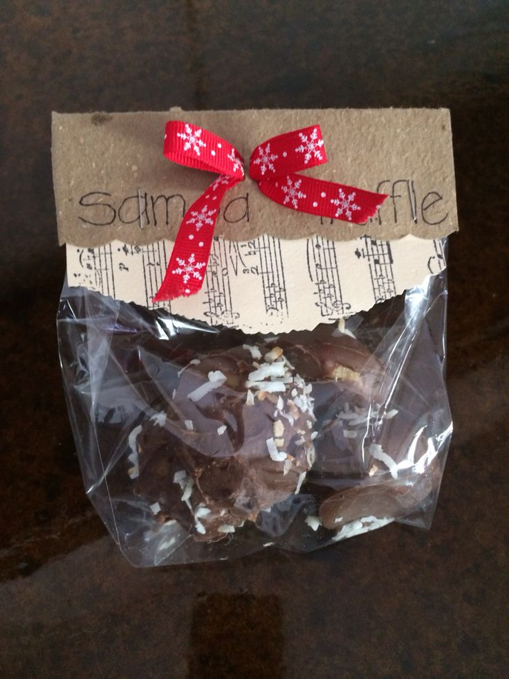 """Samoa Truffles with attractive packaging for bale sales.  Perfect for Christmas too! Mix 1 pkg golden Oreos, 4 oz cream cheese, 1/4 c caramel topping.  Roll in 1"""" balls Melt 8 oz choc chips.  Coat Oreo balls in chocolate. Sprinkle with toasted coconut.  Freeze on baking sheet.  Package for delicious gifts!!"""