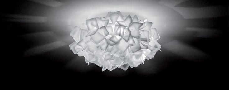 Lampa, która może służyć jako kinkiet lub plafon. Doskonała dekoracja i piękne światło! CLIZIA MINI od marki SLAMP. Do kupienia oczywiście na sklep.aladyn.pl